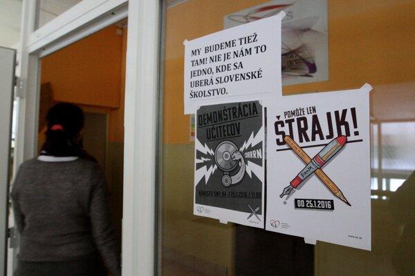 Väčšina pedagógov na ZŠ Radvanská podporila štrajk učiteľov.