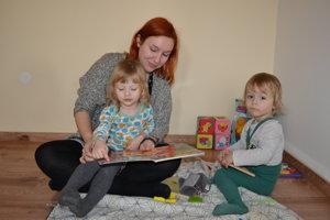 Alexandra Harvanová s deťmi.