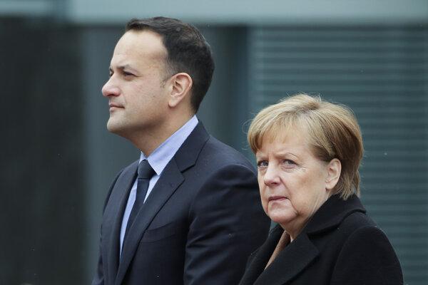 Merkelová privítala v Berlíne írskeho premiéra Varadkara.