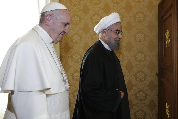 Pápež František prijal na súkromnej audiencii iránskeho prezidenta Hasana Rúháního.
