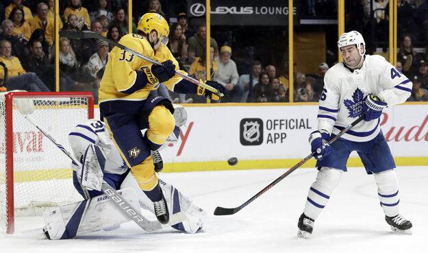 Momentka zo zápasu medzi Nashvillom a Torontom.