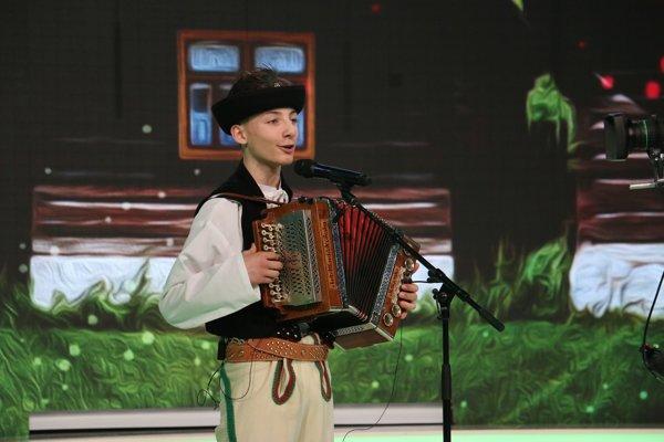 Martin Repáň, víťaz druhej série folklórnej šou Zem spieva.