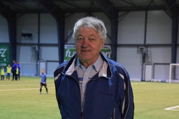 Tréner TJ Kysučan Korňa Jozef Maslík.