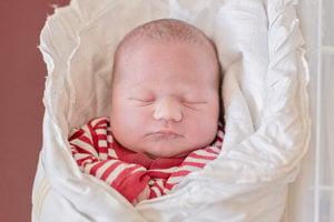Lujza Pištová  (3730 g, 50 cm) sa narodila 22. marca  Ľubici a Lukášovi z Novej Dubnice. Doma sestričku čaká dvojročný Dominik.
