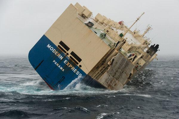 Panamská loď Modern Express.