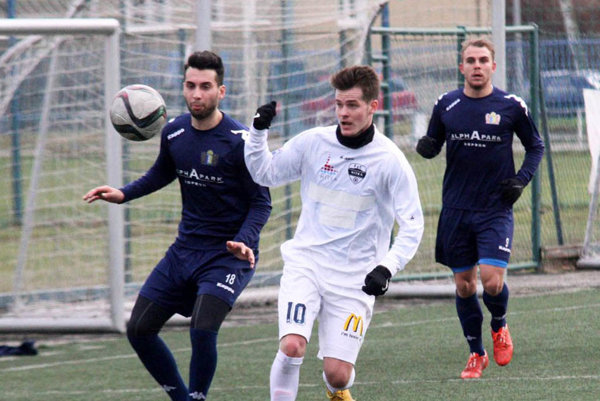 Marcel Oravec (v bielom) je jednou zo zimných posíl tímu FC Nitra.
