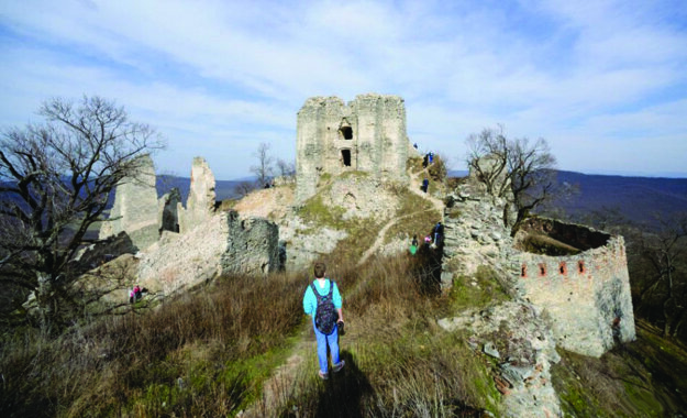 Hrad Gýmeš, rodové sídlo Forgáčovcov.