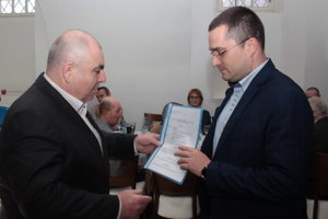 Primátor Holíča odovzdával miestnym organizáciám účelové dotácie.