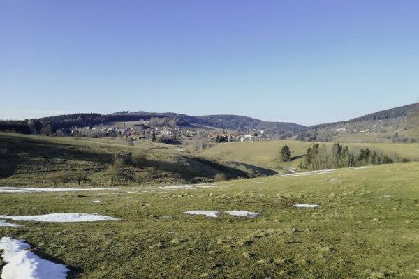 Obec Látky na konci zimy