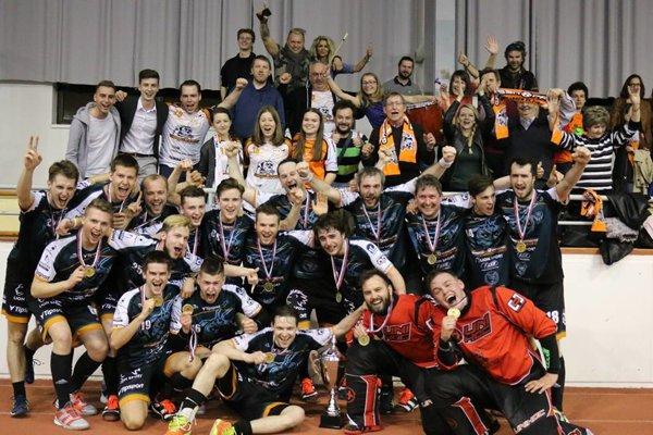 FBC Grasshoppers AC UNIZA Žilina, majstri 1. ligy mužov vo florbale v sezóne 2017/2018.