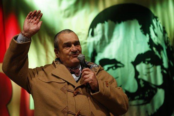 Schwarzenberg v roku 2013 prekvapil už len tým, že sa dostal do druhého kola prezidentskej voľby.