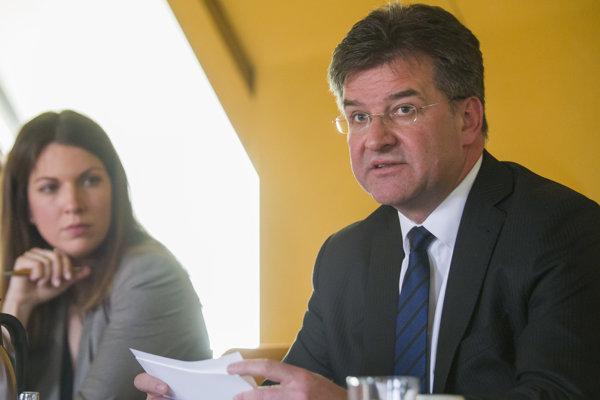 Sprava minister zahraničných vecí a európskych záležitostí SR Miroslav Lajčák a podpredsedníčka Výboru NR SR pre európske záležitosti Katarína Cséfalvayová.