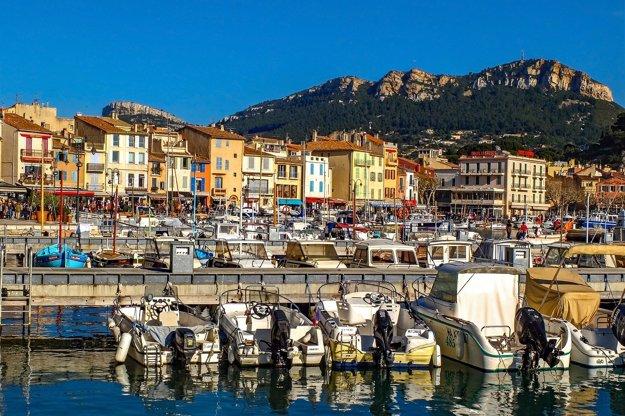 Prístav v mestečku Cassis