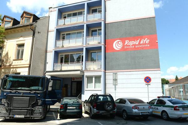 Budova sídla poisťovne v Košiciach.