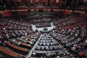 Taliansky premiér vystúpil na pôde parlamentu.
