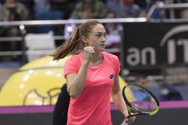 Aleksandra Sasnovičová sa raduje z víťazstva.