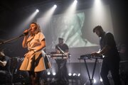 Ako prvý odvysiela Trnavské rádio koncert kapely Fallgrapp.