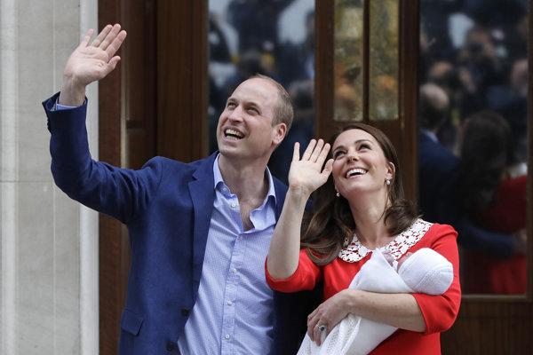 Princ William a vojvodkyňa Kate so svojím tretím dieťaťom.