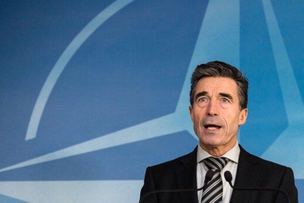 Ponúka sa možnosť dať pozvánku do NATO aj Čiernej Hore a Macedónsku a (minimálne) pozvánku na vstup do akčného plánu členstva Gruzínsku.