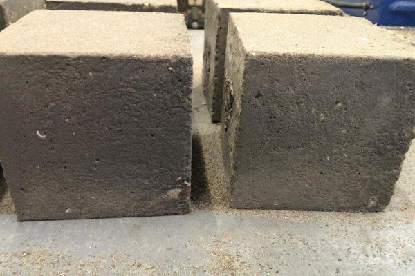Nový, lepší betón, do ktorého výroby sa primiešava grafén.
