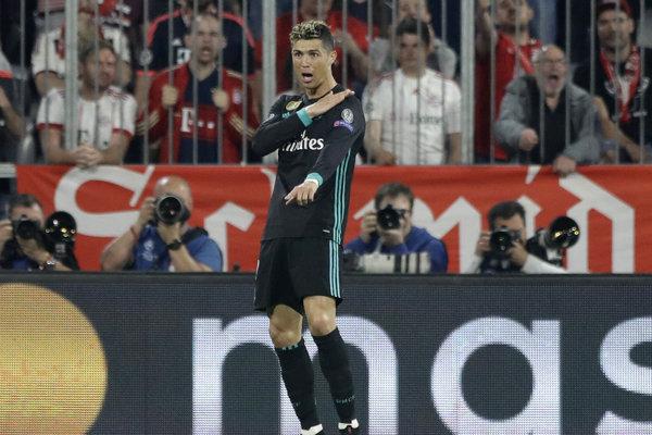 """Bolo to plece, nie ruka,"" akoby vravel Cristiano Ronaldo."