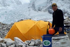 Peter Hámor v základnom tábore pod Mount Everestom.