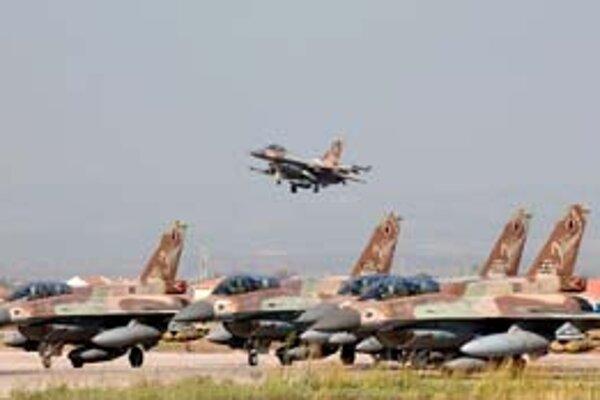 Lietadlá F16 izraelského letectva.