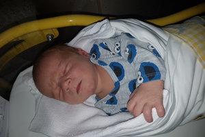 Samuel Masár (3700 g, 51 cm) sa narodil 7. apríla Martine a Pavlovi z Nového Mesta nad Váhom. Doma už majú 10-ročnú Emily.