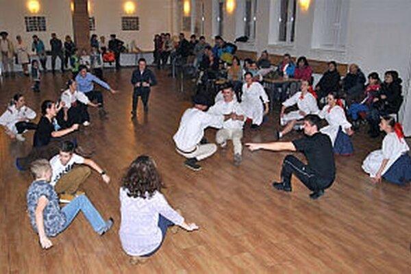 Súčasťou podujatia bola škola tanca Súbor baví súbor.