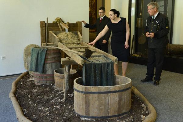 Na snímke žľab na ryžovanie zlata.