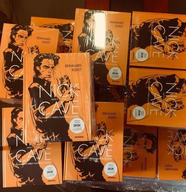 Komiks o Nickovi Caveovi Mercy on Me už môžete nájsť v obchodoch.