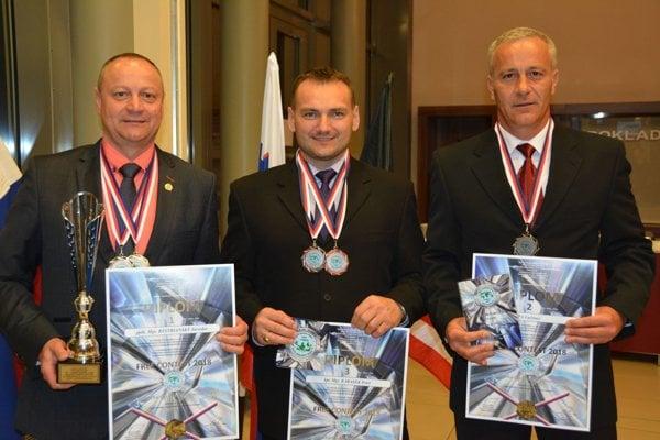 Zľava: Jaroslav Bystriansky, Peter Karásek, Milan Golský.