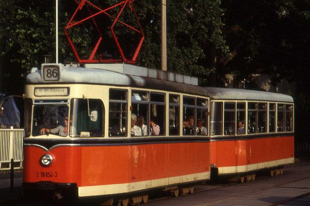 Až do reformy MHD v Berlíne v roku 1993 mala dnešná 68 číslo 86.