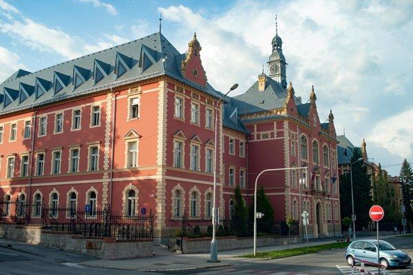Na Skuteckého ulici sídlia aj súdy.