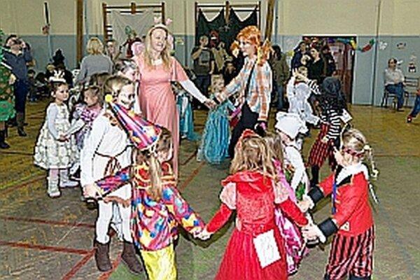 Premiérový ročník karnevalu sa deťom i rodičom páčil.