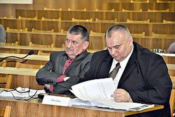 Novým konateľom spoločnosti Mestské lesy je poslanec František Matušík (vľavo).