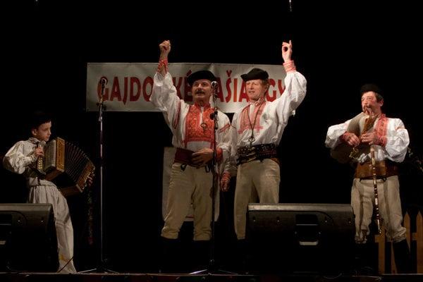 Gajdošské fašiangy sa stali v obci obľúbenou tradíciou.