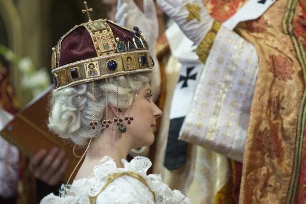 275. výročie korunovácie Márie Terézie za uhorskú kráľovnú si Bratislava pripomenula historickým sprievodom a korunováciou v Dóme sv. Martina.