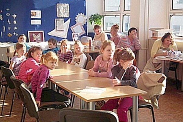 Tento rok sa tvorivých dielní zúčastnili deti zo Základnej školy Slovenských partizánov.