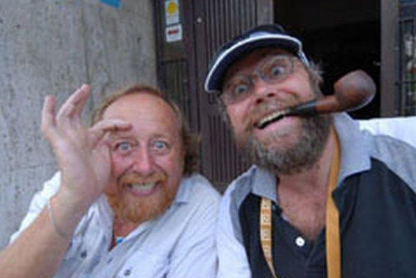 Pavlovi Petrenkovi(vľavo) dobrá nálada nikdy nechýbala. S kolegom Igorom Demčákom na Kremnických gagoch.