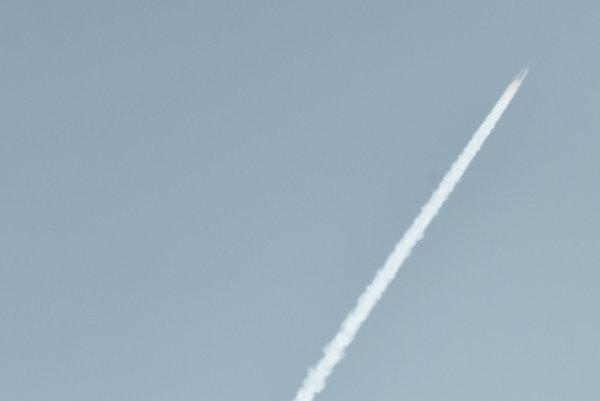 Najmenej tri rakety vystrelené zo susednej Sýrie dopadli do mesta v tureckom pohraničí.