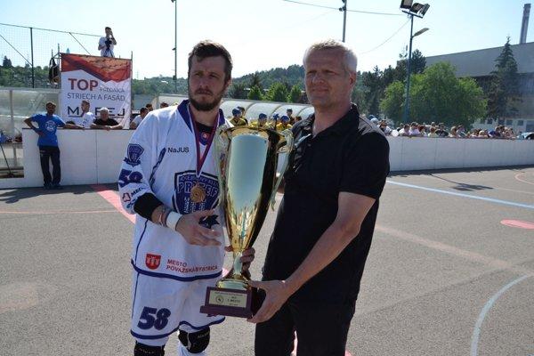 Pohár za 3. miesto získal Protef Považská Bystrica.