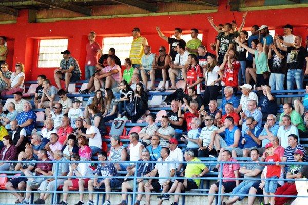 Ak si futbalisti vybojujú účasť v prvej lige, môžu sa fanúšikovia Serede tešiť na zápasy s elitnými slovenskými klubmi.