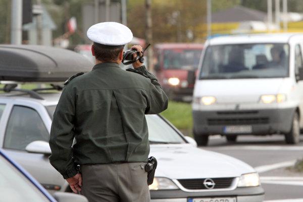 Policajti už vybrali miesta, na ktoré namontujú radary.