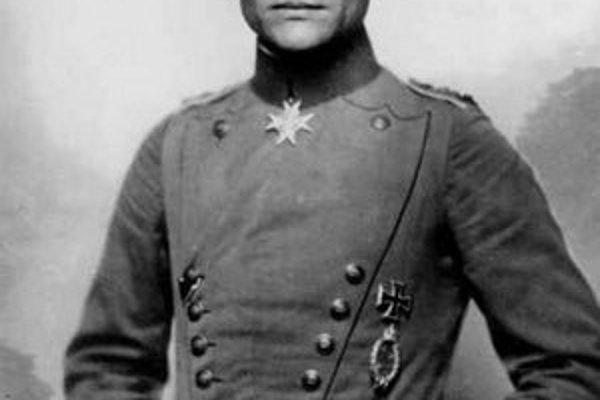 Červený barón Manfred von Richthofen.