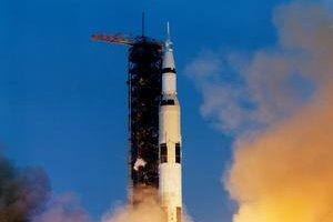 Štart misie Apollo 13. Problémy nik nečakal.