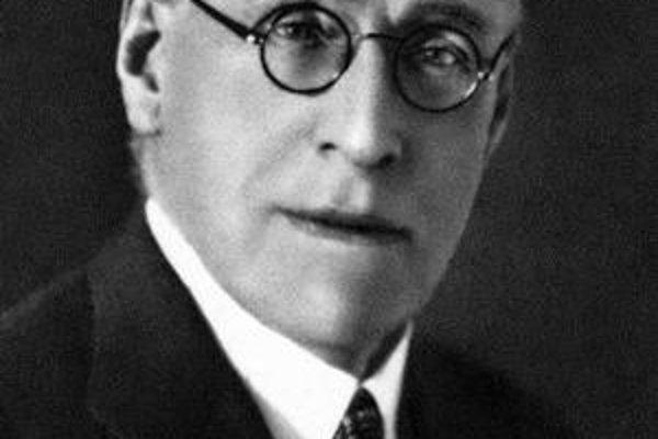 Jégé bol vážený lekár aj spisovateľ.