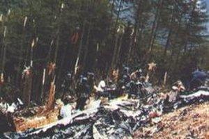 Záchranári vytiahli z trosiek štyroch živých ľudí.