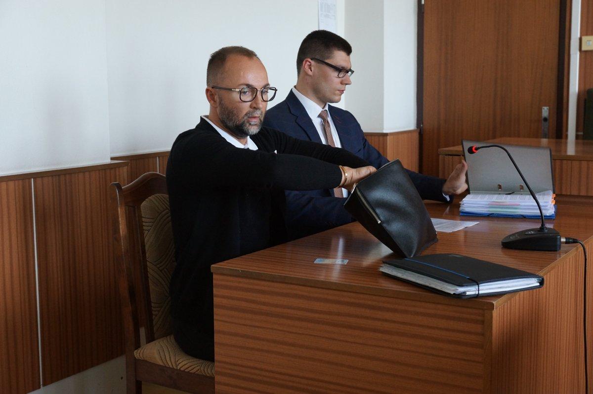 Kabrheľ sa teší z víťazstva na súde, Mojsej z bytu v Tatrách - kosice.korzar.sme.sk