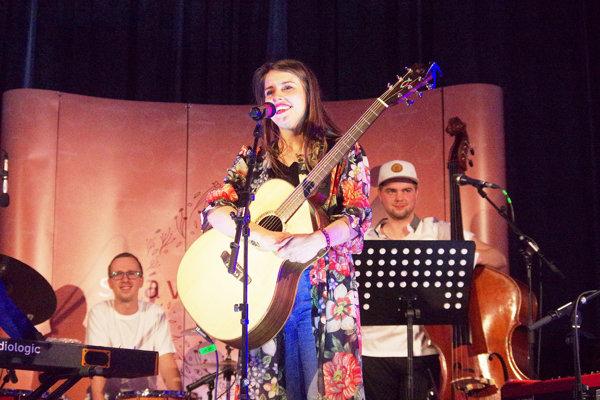 Počas hudobného leta sa predstaví aj Sima Martausová.